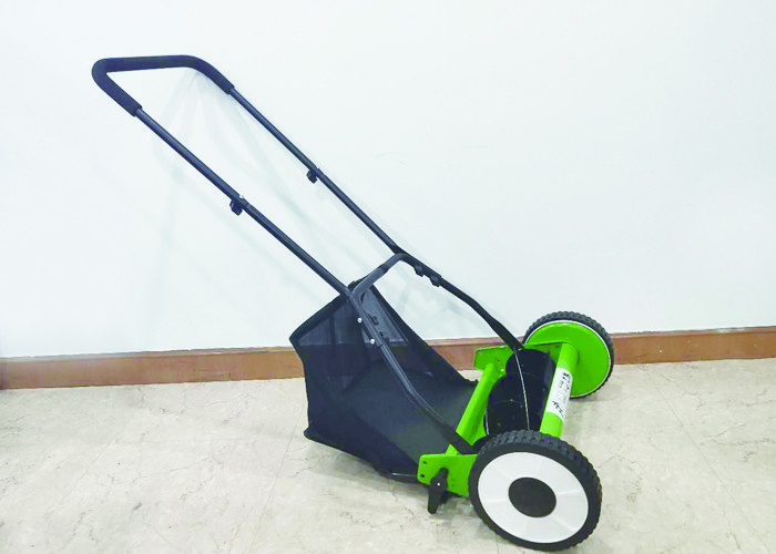 Four Wheel Garden Lawn Mower Plastic And Metal Material 40L Grass Bx